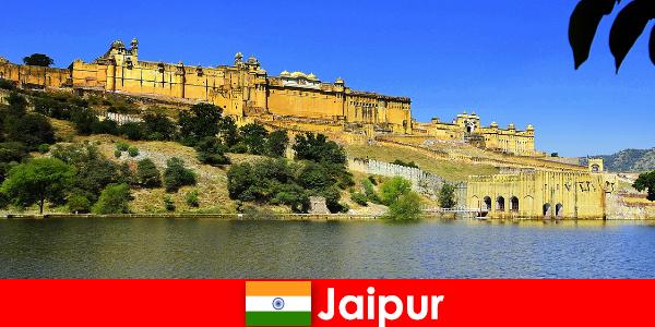 Estranhos em Jaipur amam os templos poderosos