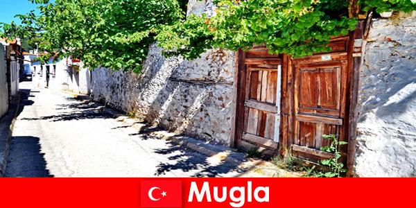 Aldeias pitorescas e habitantes locais hospitaleiros recebem turistas em Mugla, Turquia