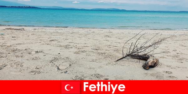 Viagem relaxante para turistas estressados na Riviera turca de Fethiye