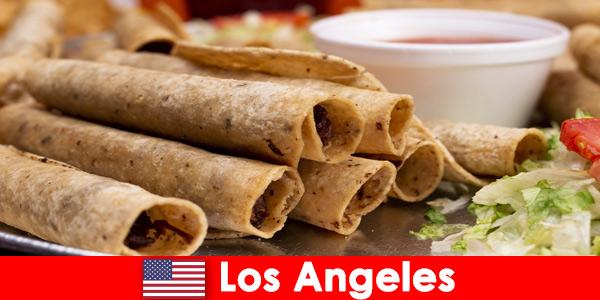 Visitantes estrangeiros podem esperar um evento gastronômico variado nos melhores restaurantes de Los Angeles.