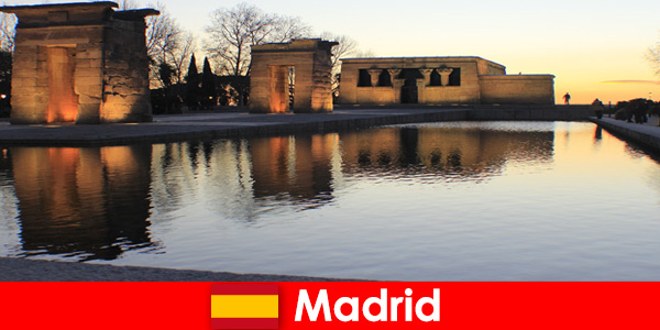 Destino popular para excursões a Madrid, Espanha, para estudantes europeus
