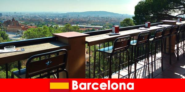 Puro talento de cidade grande para os visitantes de Barcelona, Espanha, com bares, restaurantes e o cenário artístico